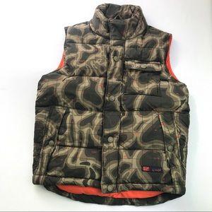 Gap Kids Size 6-7 Puffy Camo Vest